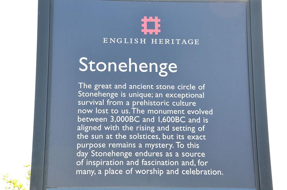 StoneHenge1